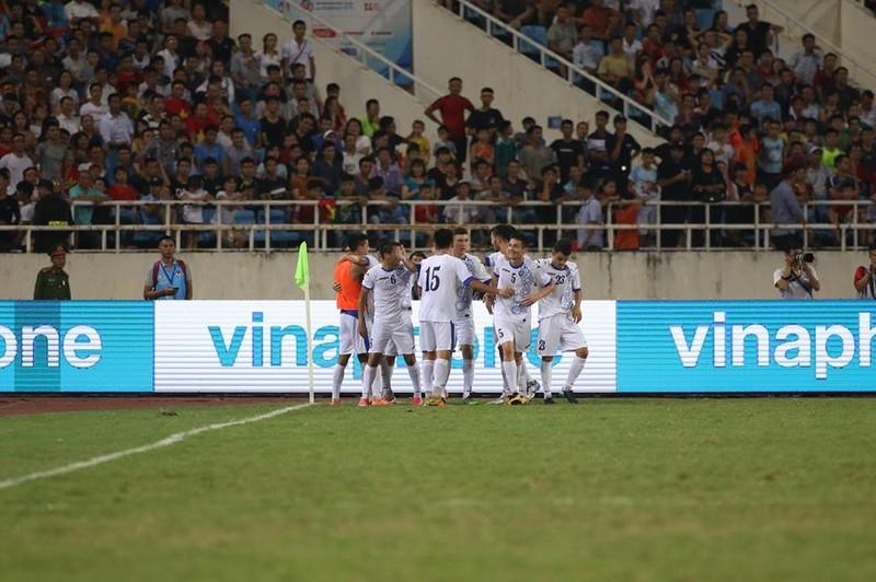 Hòa Uzbekistan, U-23 Việt Nam đăng quang trên sân Mỹ Đình - ảnh 6