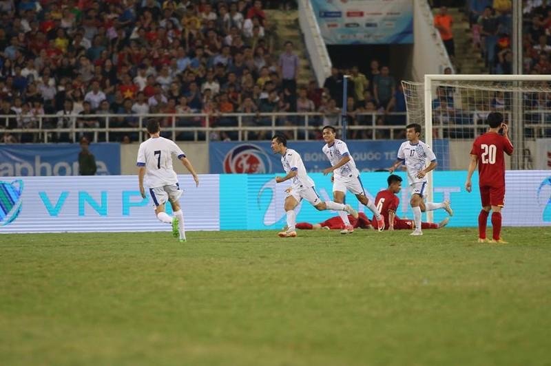 Hòa Uzbekistan, U-23 Việt Nam đăng quang trên sân Mỹ Đình - ảnh 5