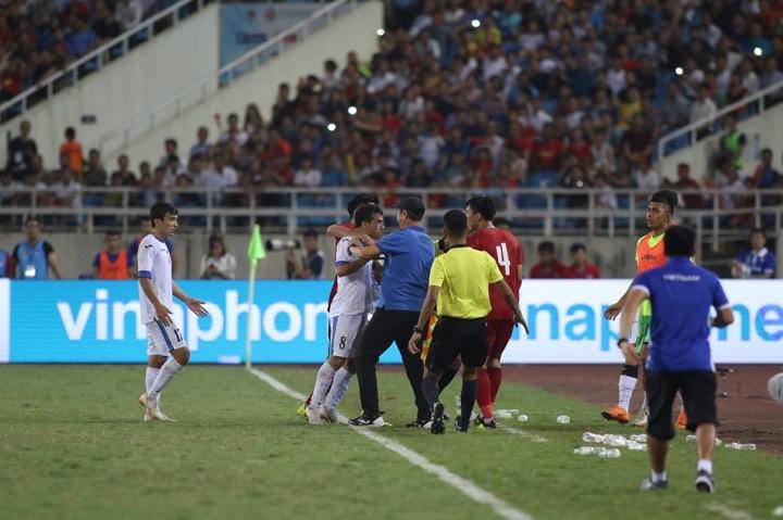 Hòa Uzbekistan, U-23 Việt Nam đăng quang trên sân Mỹ Đình - ảnh 8