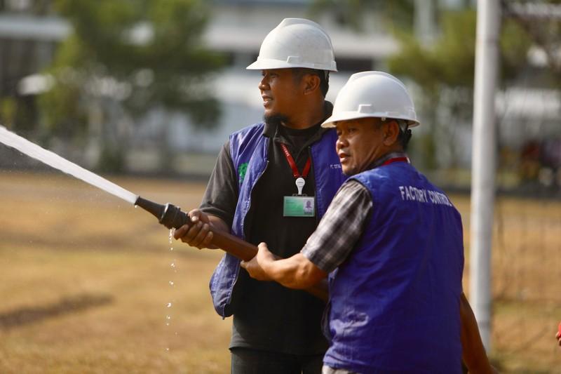 Cận cảnh sân tập xấu tệ của Olympic Việt Nam - ảnh 2
