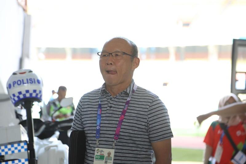 Nóng: Hình ảnh Olympic Việt Nam trên SVĐ Wibawa Mukti - ảnh 17