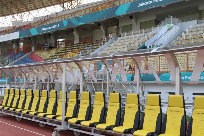 Nóng: Hình ảnh Olympic Việt Nam trên SVĐ Wibawa Mukti - ảnh 3