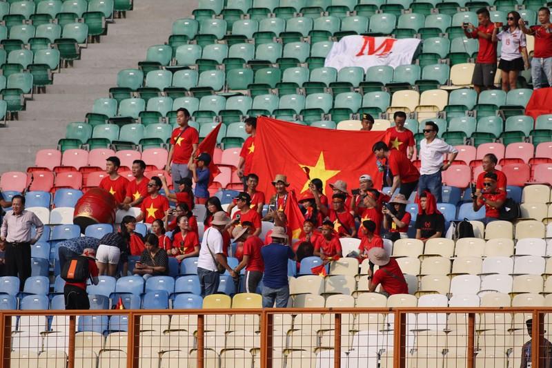 Công Phượng đá hỏng 2 quả 11m, Việt Nam vẫn thắng dễ Pakistan - ảnh 36