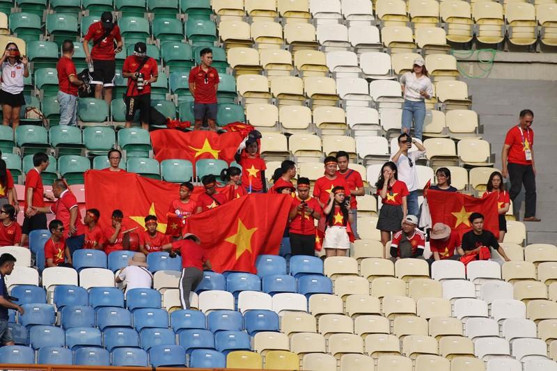 Công Phượng đá hỏng 2 quả 11m, Việt Nam vẫn thắng dễ Pakistan - ảnh 37