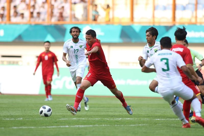 Công Phượng đá hỏng 2 quả 11m, Việt Nam vẫn thắng dễ Pakistan - ảnh 33