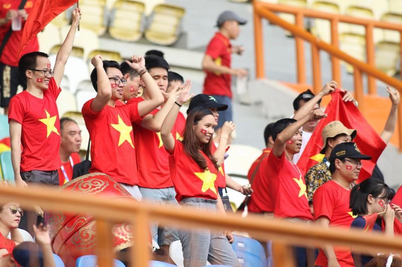 Công Phượng đá hỏng 2 quả 11m, Việt Nam vẫn thắng dễ Pakistan - ảnh 19