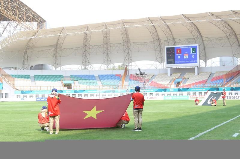 Công Phượng đá hỏng 2 quả 11m, Việt Nam vẫn thắng dễ Pakistan - ảnh 62