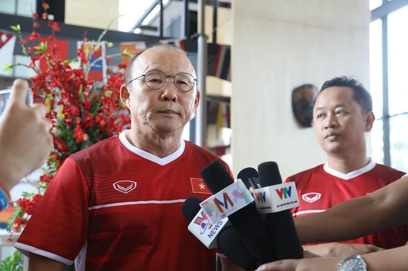 HLV Park Hang-seo mong Nepal ghi bàn vào lưới Olympic Việt Nam - ảnh 1
