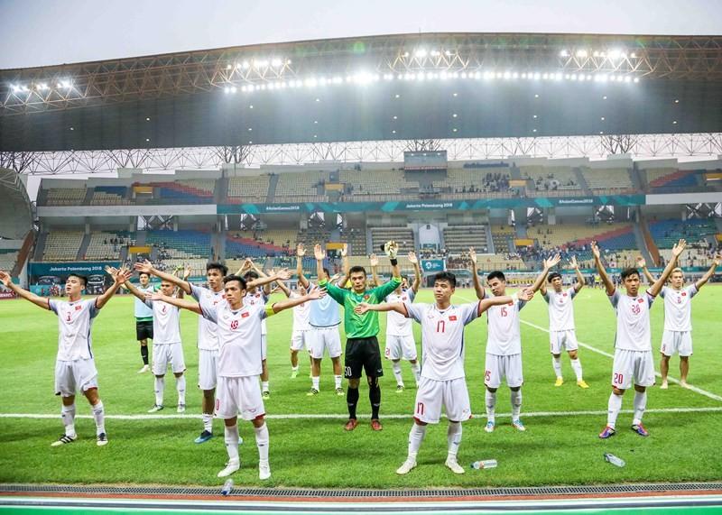 Hùng Dũng không phải phẫu thuật, ở lại cùng Olympic Việt Nam - ảnh 2