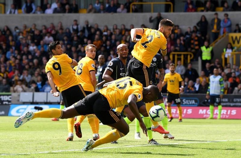 Man City hòa thất vọng, Arsenal thắng trận đầu tiên - ảnh 1