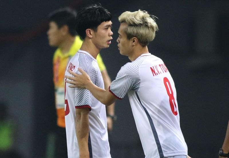 Đưa Olympic Việt Nam 'bay' vào bán kết Asiad, Văn Toàn nói gì? - ảnh 1