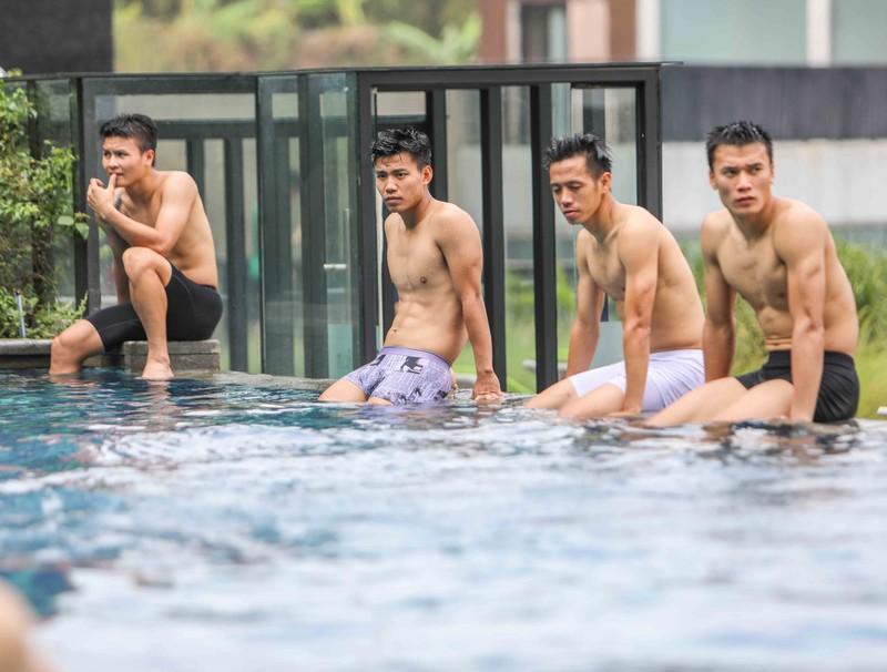 Gạt nỗi buồn, Olympic Việt Nam lấy lại niềm vui trong hồ bơi - ảnh 5