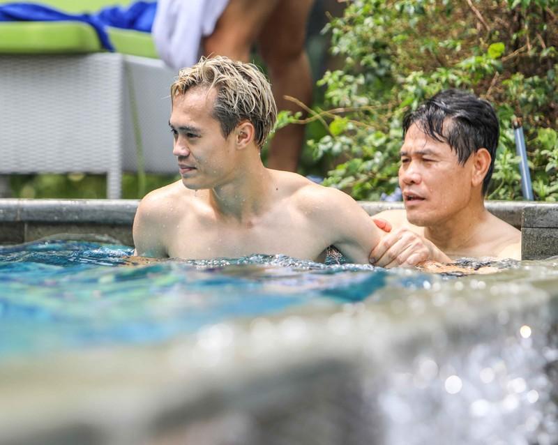 Gạt nỗi buồn, Olympic Việt Nam lấy lại niềm vui trong hồ bơi - ảnh 9