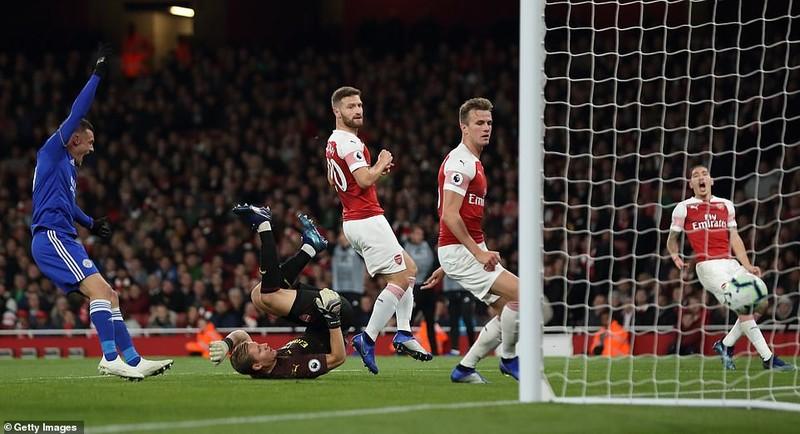 Arsenal thắng 7 trận liền nhờ phong độ chói sáng của Ozil - ảnh 1