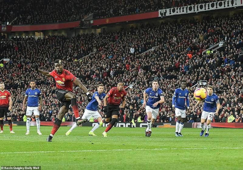 Thắng khó Everton, MU vào... top 8 Premier League - ảnh 3
