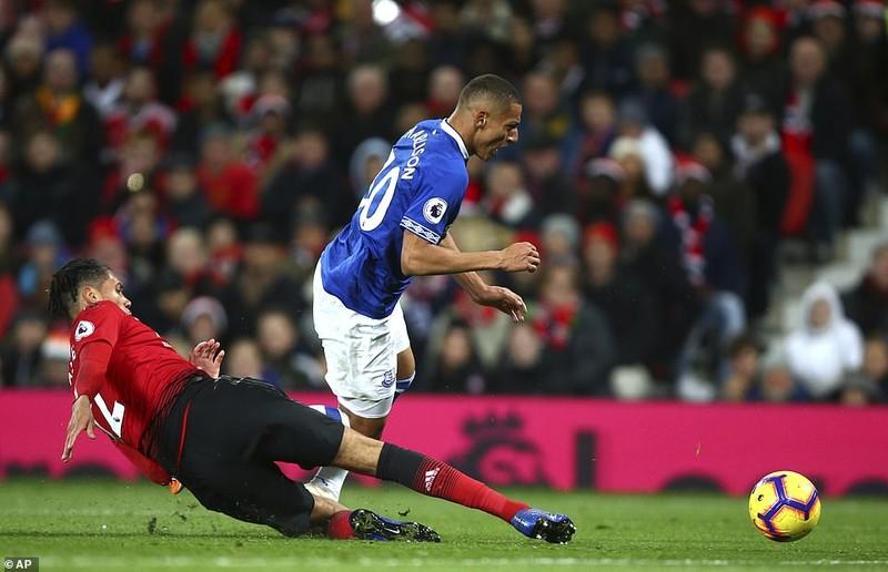 Thắng khó Everton, MU vào... top 8 Premier League - ảnh 8