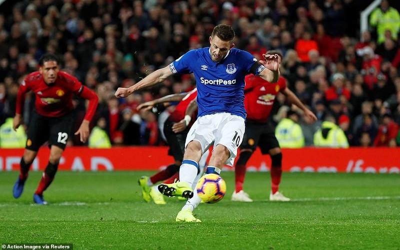 Thắng khó Everton, MU vào... top 8 Premier League - ảnh 9