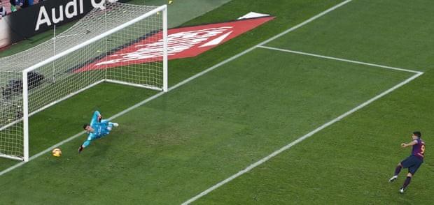 Suarez lập hat-trick, Barcelona 'nhấn chìm' Real Madrid - ảnh 2