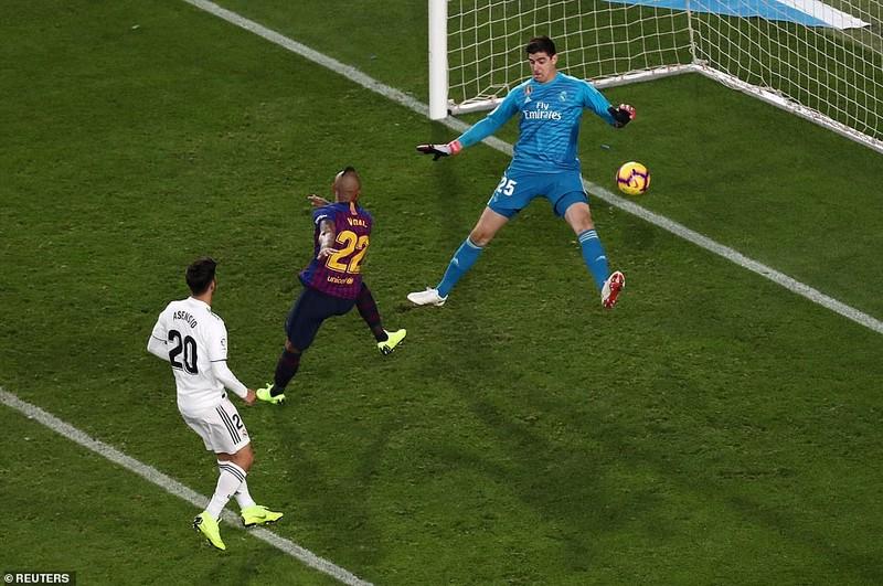 Suarez lập hat-trick, Barcelona 'nhấn chìm' Real Madrid - ảnh 6