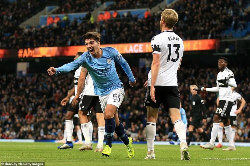 Ngôi sao bị ruồng bỏ tỏa sáng, Man City hạ gục Fulham - ảnh 3