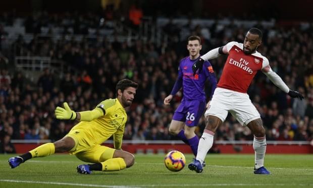 Hòa Liverpool, Arsenal bất bại 9 trận liên tục - ảnh 1