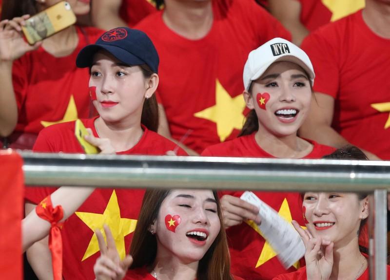 Thắng đậm Lào, Việt Nam khởi đầu mỹ mãn tại AFF Cup 2018 - ảnh 15