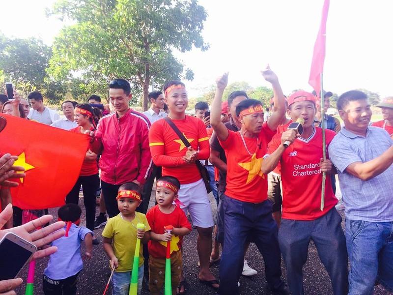 Thắng đậm Lào, Việt Nam khởi đầu mỹ mãn tại AFF Cup 2018 - ảnh 34
