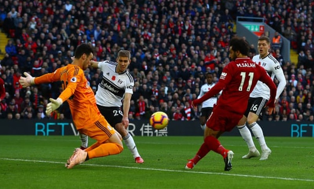 Đánh bại đội cuối bảng, Liverpool vươn lên ngôi đầu - ảnh 1