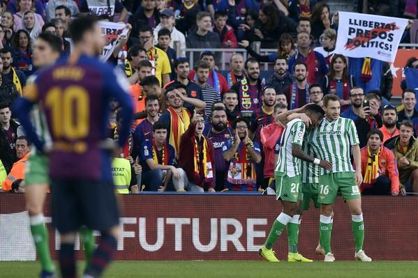 Messi trở lại lập cú đúp, Barcelona vẫn thua cực sốc - ảnh 2