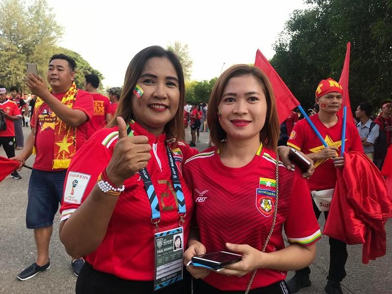 CĐV Việt Nam - Myanmar tình thương mến thương - ảnh 7