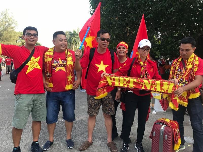 CĐV Việt Nam - Myanmar tình thương mến thương - ảnh 12