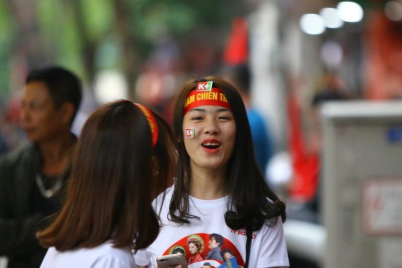 Thắng dễ Campuchia, Việt Nam vào bán kết AFF Cup với ngôi đầu - ảnh 45