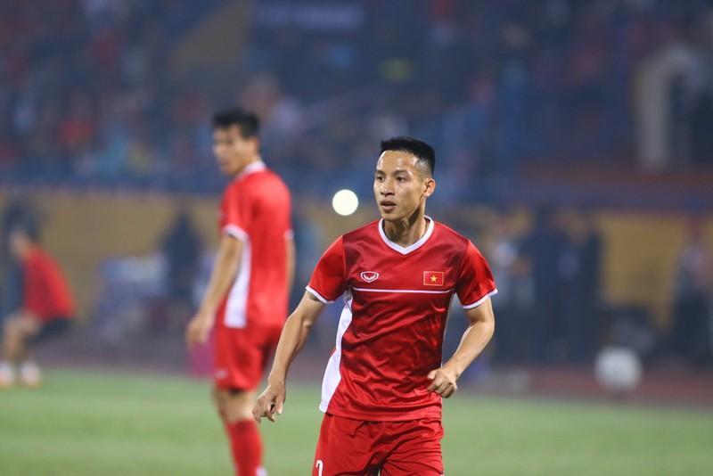 Thắng dễ Campuchia, Việt Nam vào bán kết AFF Cup với ngôi đầu - ảnh 24