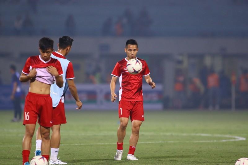 Thắng dễ Campuchia, Việt Nam vào bán kết AFF Cup với ngôi đầu - ảnh 26