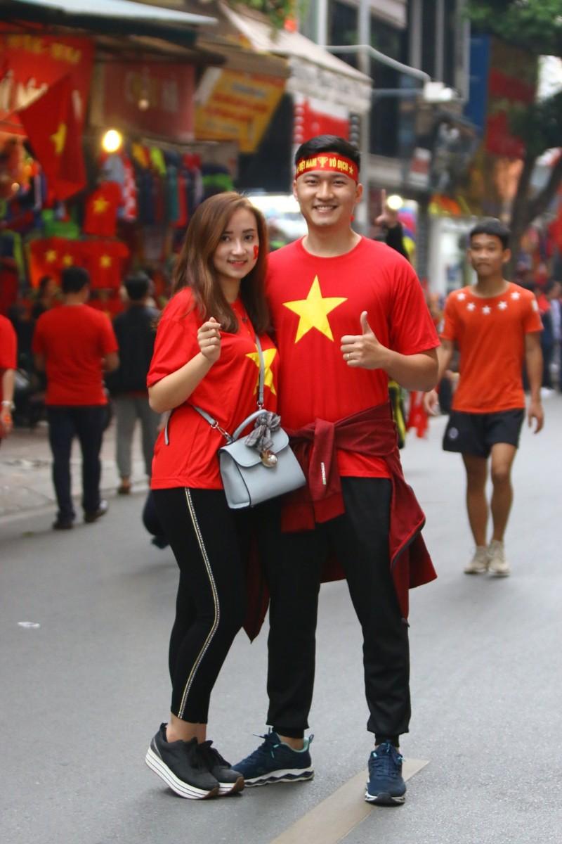 Thắng dễ Campuchia, Việt Nam vào bán kết AFF Cup với ngôi đầu - ảnh 47