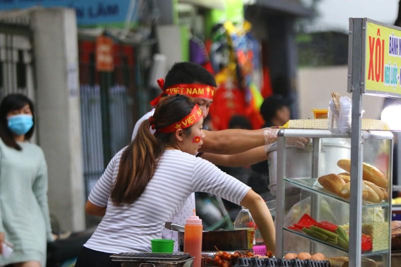 Thắng dễ Campuchia, Việt Nam vào bán kết AFF Cup với ngôi đầu - ảnh 70