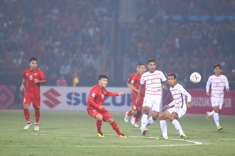 Thắng dễ Campuchia, Việt Nam vào bán kết AFF Cup với ngôi đầu - ảnh 18