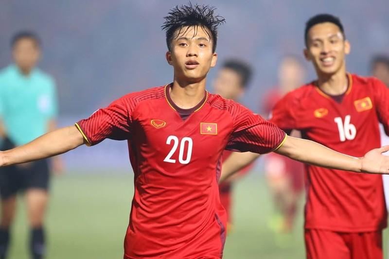 Thắng dễ Campuchia, Việt Nam vào bán kết AFF Cup với ngôi đầu - ảnh 5