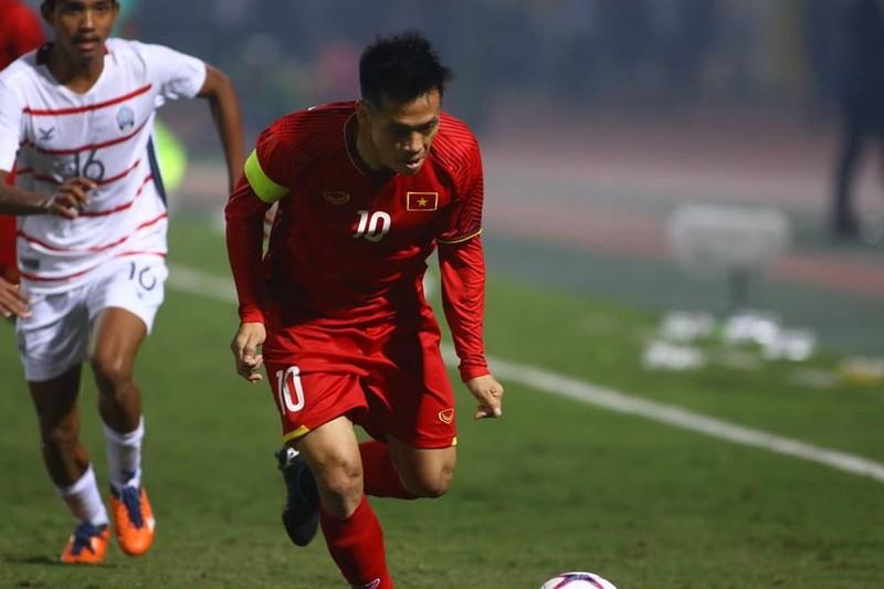 Thắng dễ Campuchia, Việt Nam vào bán kết AFF Cup với ngôi đầu - ảnh 3