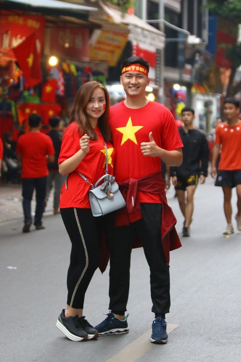 Thắng dễ Campuchia, Việt Nam vào bán kết AFF Cup với ngôi đầu - ảnh 49