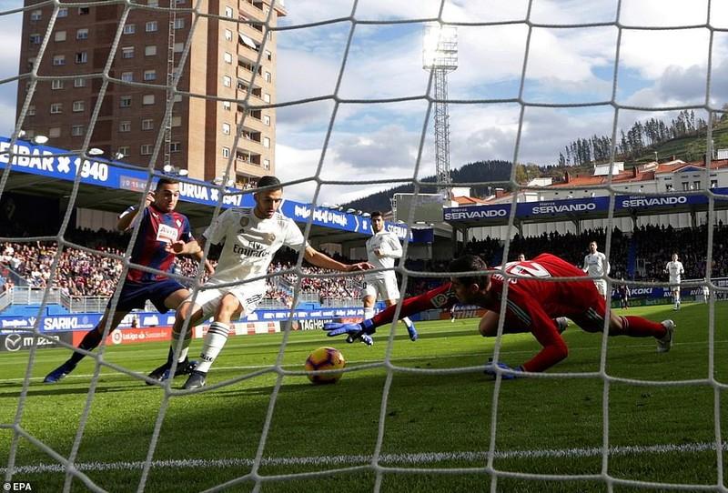 Real Madrid thua đậm cực sốc trước Eibar - ảnh 1