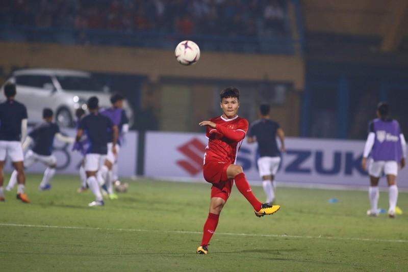 Thắng dễ Campuchia, Việt Nam vào bán kết AFF Cup với ngôi đầu - ảnh 33