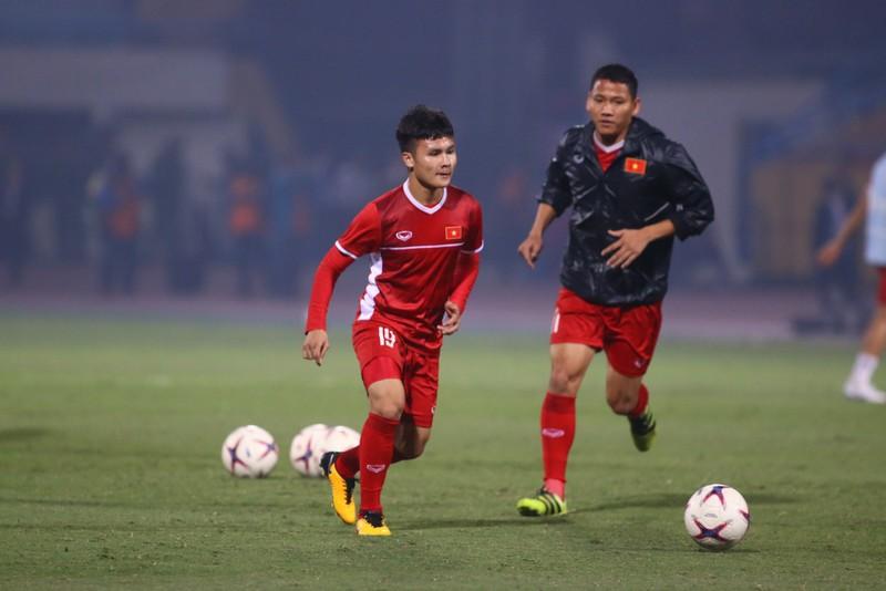Thắng dễ Campuchia, Việt Nam vào bán kết AFF Cup với ngôi đầu - ảnh 34