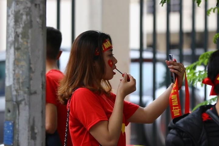 Thắng dễ Campuchia, Việt Nam vào bán kết AFF Cup với ngôi đầu - ảnh 59