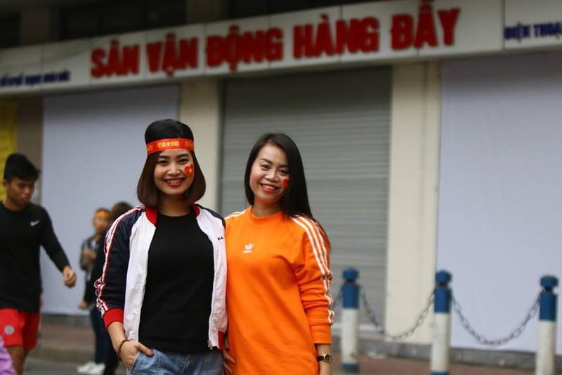 Thắng dễ Campuchia, Việt Nam vào bán kết AFF Cup với ngôi đầu - ảnh 54
