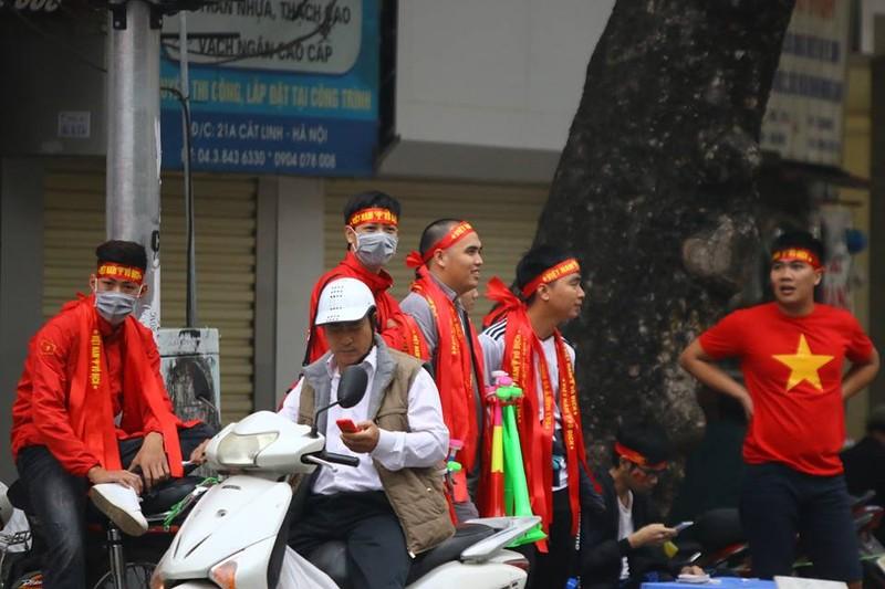 Thắng dễ Campuchia, Việt Nam vào bán kết AFF Cup với ngôi đầu - ảnh 55