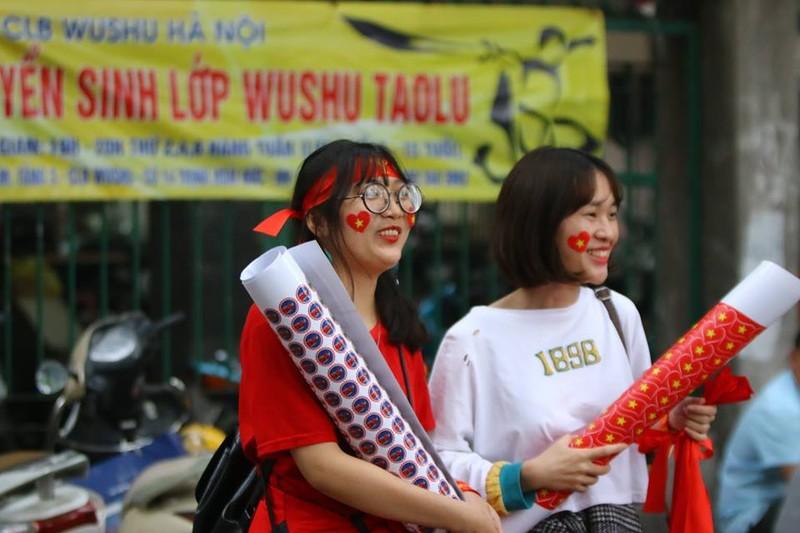 Thắng dễ Campuchia, Việt Nam vào bán kết AFF Cup với ngôi đầu - ảnh 57