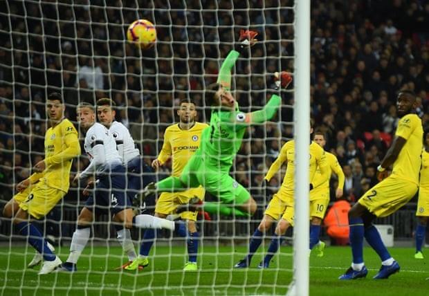Thua thảm Tottenham, Chelsea cay đắng nhìn đối thủ vượt mặt - ảnh 1