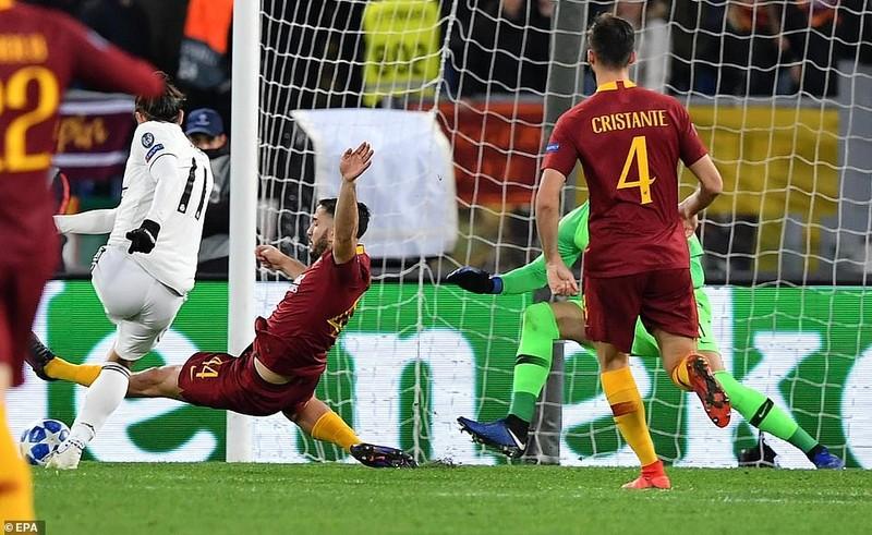 Real Madrid thắng thuyết phục, Man United may mắn vượt cửa hẹp - ảnh 1