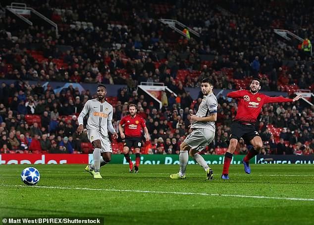 Real Madrid thắng thuyết phục, Man United may mắn vượt cửa hẹp - ảnh 4